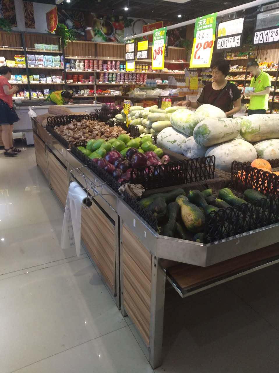 鄭州心一果蔬超市超市貨架案例