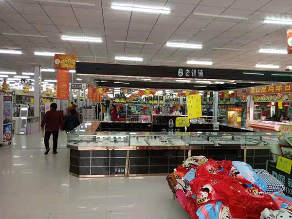 柘城縣張橋一年四季購物廣場超市貨架案例