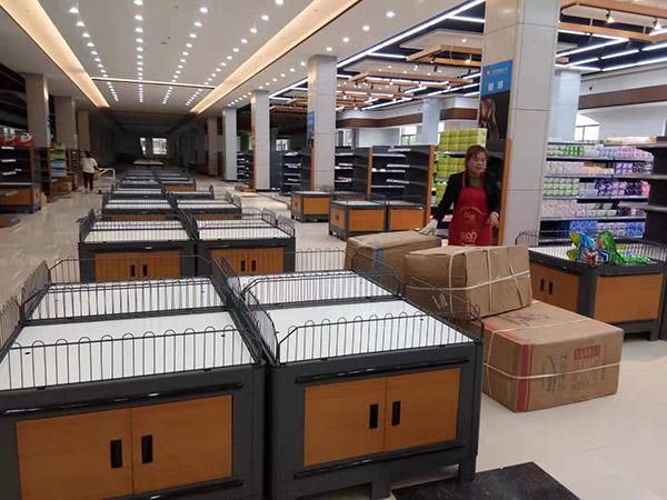 周口西華縣太平洋潤發購物廣場促銷台布局區