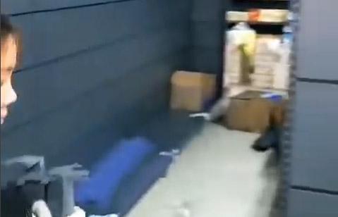 洛陽市孟津縣群泰購物廣場貨架安裝完畢,開始上貨中