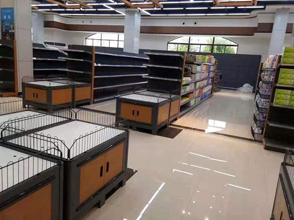 南阳唐河广隆购物广场超市货架案例