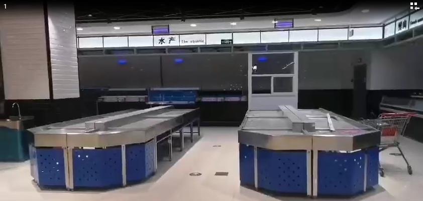 陕西省西安市熙乐汇购物广场货架安装完毕