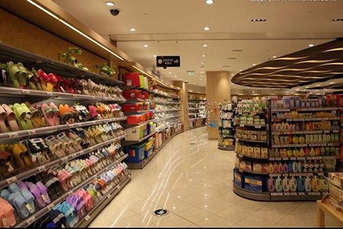 超市货架如何设计摆放才能避免卖场死角