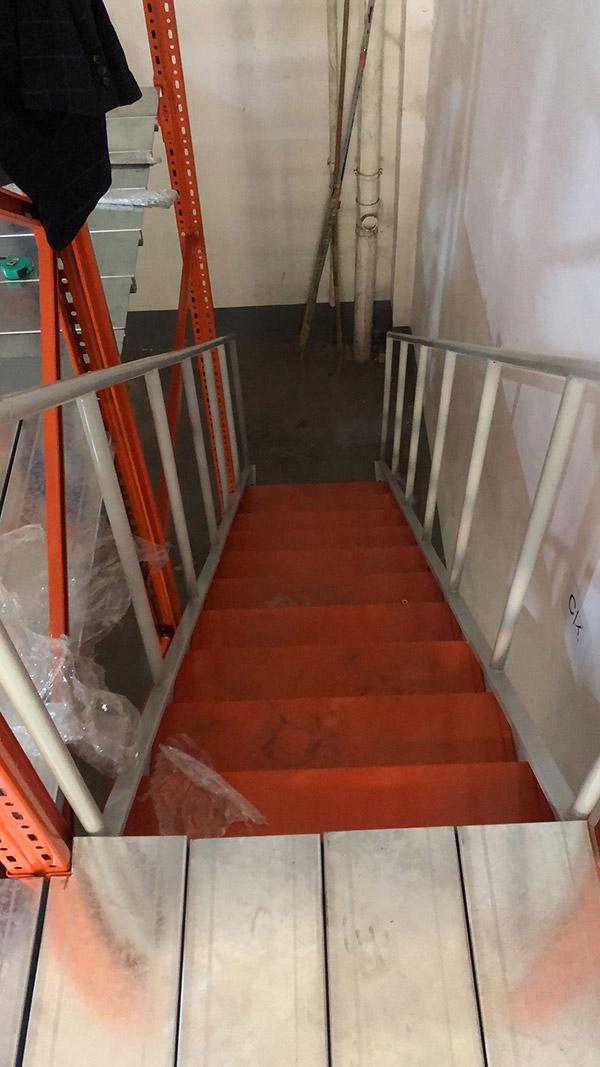 钢平台楼梯