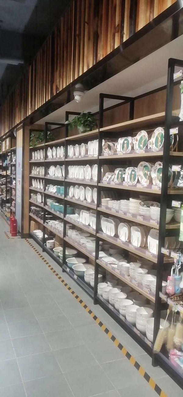 单面钢木货架厨具区