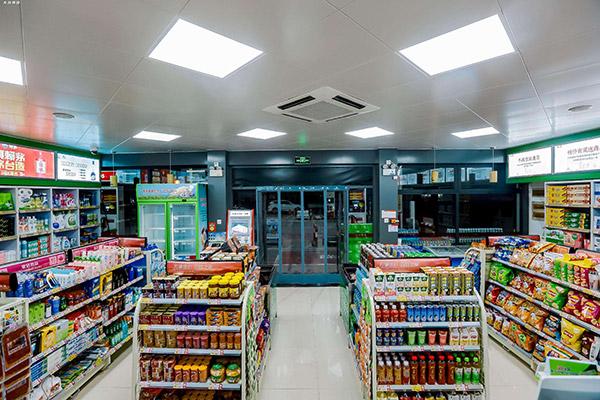 如何挑选便利店货架更合理一些,材质和厂家哪个重要