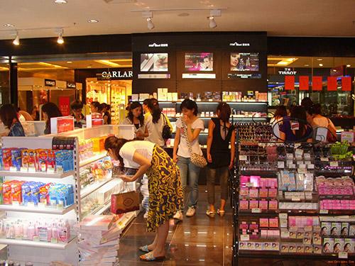 化妝品貨架擺放需要注意哪些問題