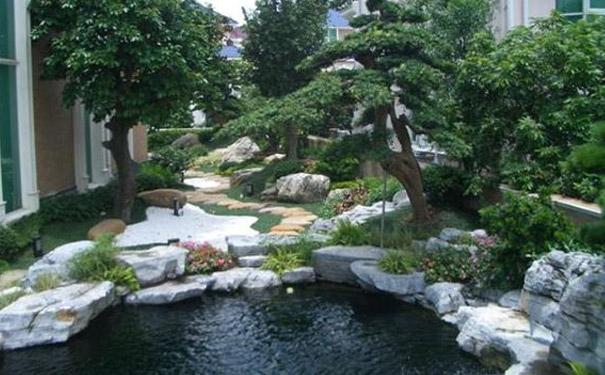 庭院鱼池假山