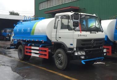 东风145型10吨洒水车