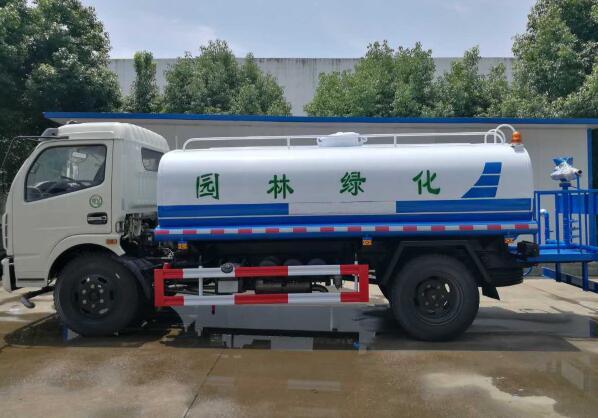 东风福瑞卡洒水车8吨-10吨